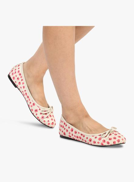ff32e9f706a8 Buy Beige Floral Belly Shoes Online in India at cooliyo   coolest ...